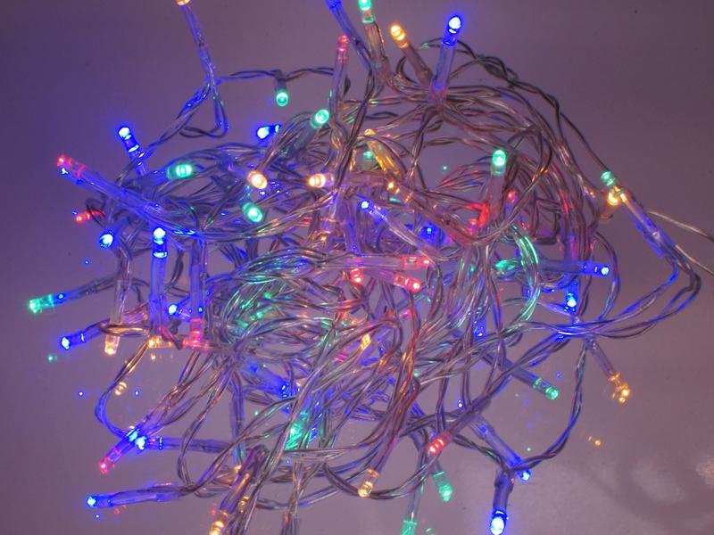 Dejlig Lyskæde med 80 farvede LEDs til batteri (3 x AA) - Matronics XT-67