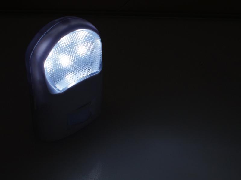 Led Lampe Med Sensor Batteri # Deptis com> Inspirierendes Design für Wohnmöbel